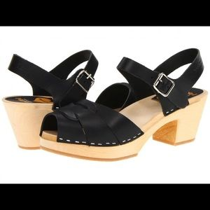Swedish Hasbeens clogs, black Size 39 (9 U…